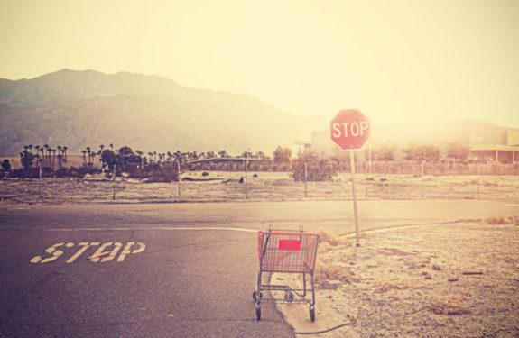 Cesta de la compra abandonada