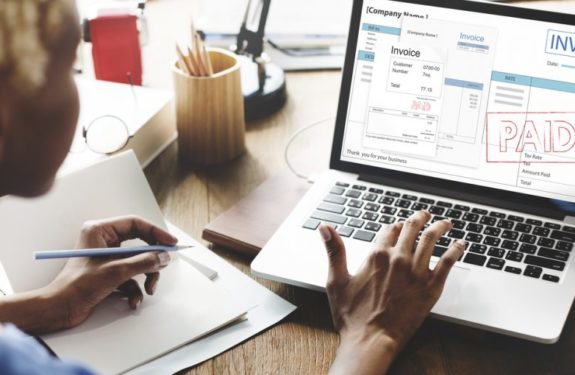 Cómo emitir facturas en la tienda online